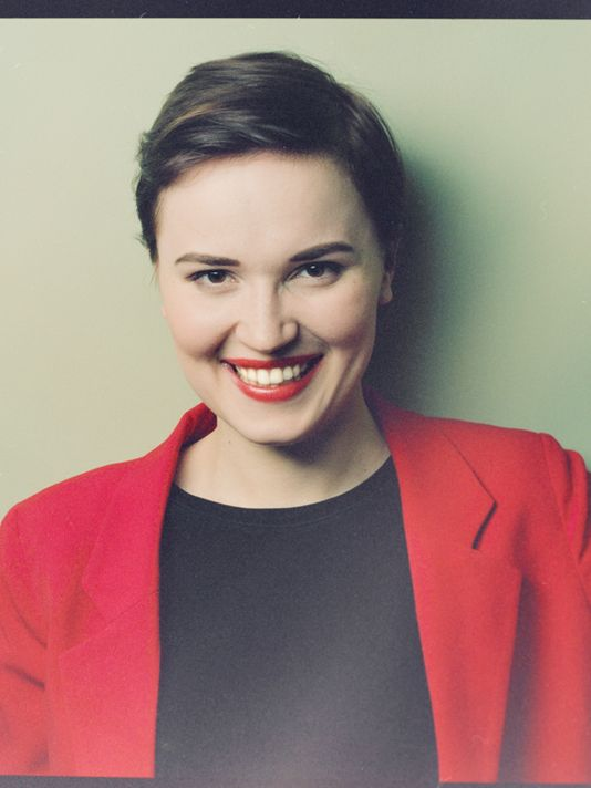 1378343858000-Veronica-Roth---credit-Nelson-Fitch