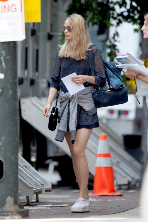 "*EXCLUSIVE* Suki Waterhouse and Rosa Salazar on the set of ""Insurgent"""