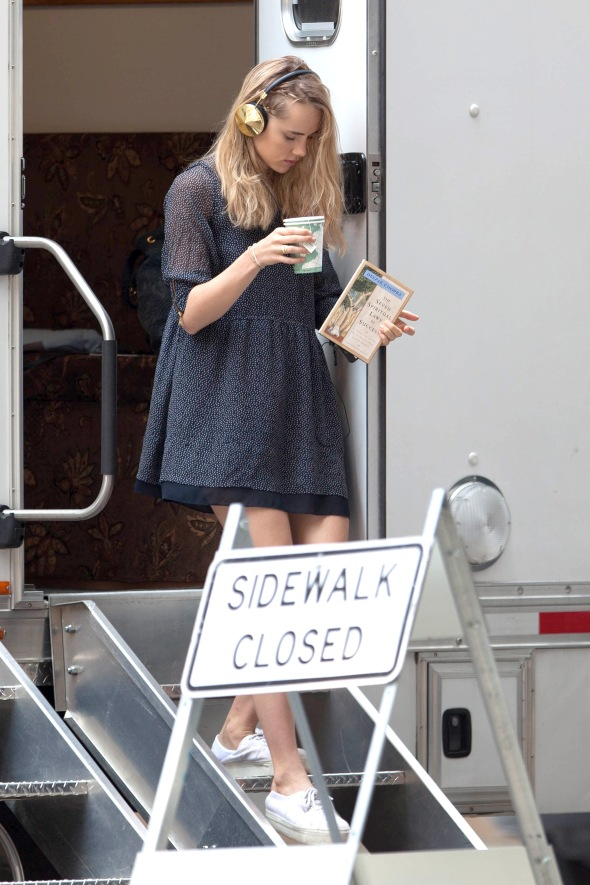"*EXCLUSIVE* Suki Waterhouse gets Spiritual on the ""Insurgent"" set with Rosa Salazar"